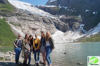 girls_vor_gletscher